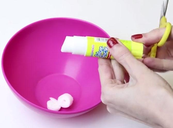 Изготовление слайма из клея карандаша